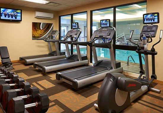 West Dundee, IL: Fitness Center