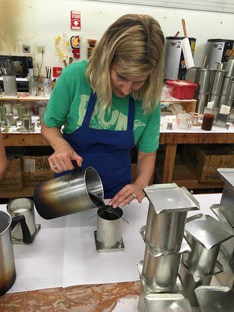 Pequot Lakes, MN : What a wonderful morning spent with Sally at Kendall Candles! We made candles with our 10 and 12