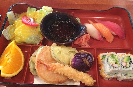 North Liberty, IA : Sushi bento box for lunch