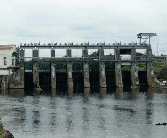 Mauzac-et-Grand-Castang, Frankreich: Barrage hydroélectrique de Tuilières