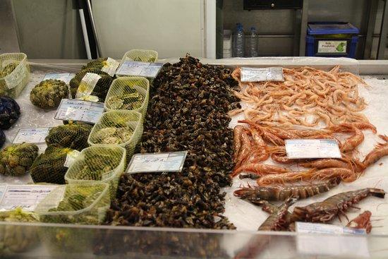 Portimão Municipal Market: Puesto de mariscos