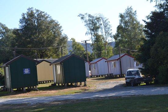 Murchison, นิวซีแลนด์: neat cabins for hire