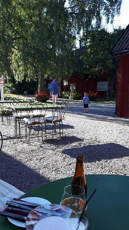 Carlssons pa Jernberghska: Jernberghska Garden