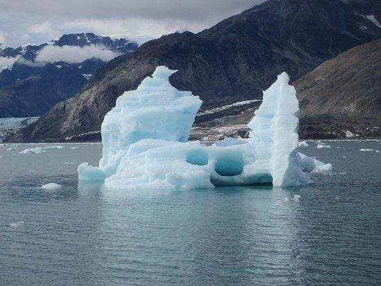 Columbia Glacier: iceberg