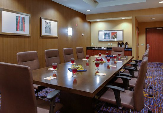 Farmingdale, Nova York: Republic Boardroom