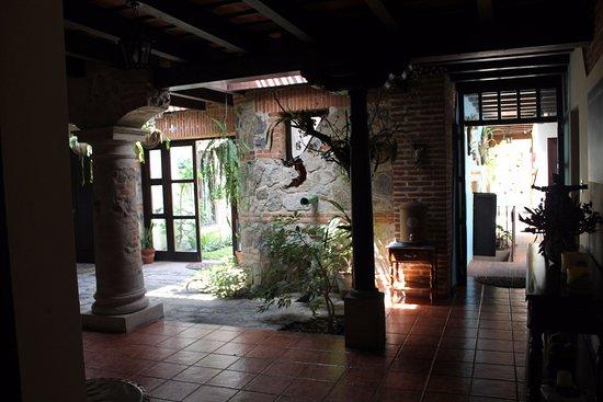 Hotel Sor Juana: El hotel, sus pasillos