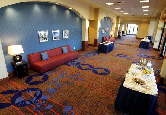 Moorhead, MN: Conference Center Pre-Function Area