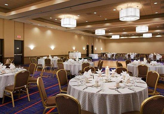 Baldwin Park, Californië: Sierra Madre Ballroom - Banquet Setup