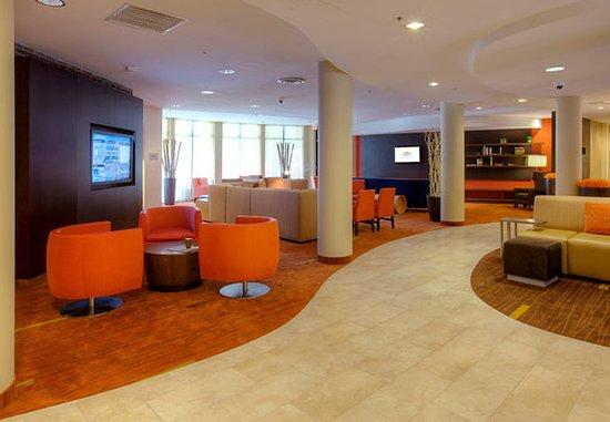 Lincoln, RI: Lounge Seating Area