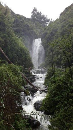 Peguche Waterfall: 20160408_115142_large.jpg