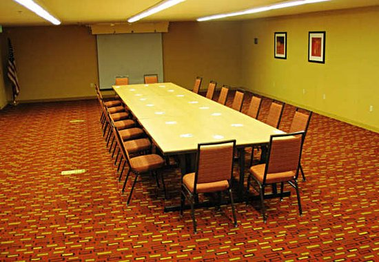 Hillsboro, OR: Stucki Room – Boardroom Setup