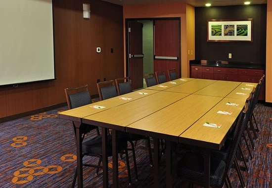 Kingston, Nova York: Meeting Room – Boardroom Setup