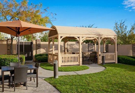 Rancho Cucamonga, Kalifornia: Outdoor Courtyard
