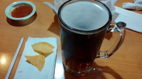 Warner Robins, GA: This is one large beer, and filled to the top too!!!