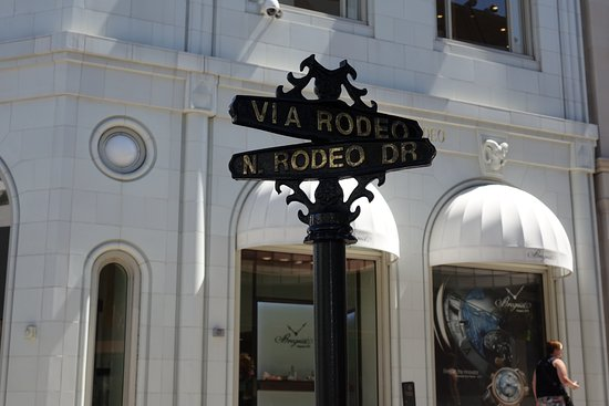 Beverly Hills, CA: Rodeo Drive / Via Rodeo