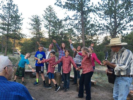 Sundance Trail Guest & Dude Ranch : Entertainment