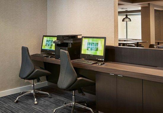 Courtyard Detroit Pontiac/Auburn Hills: Business Center