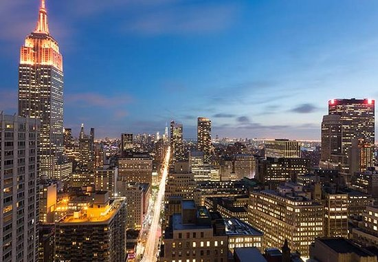 Courtyard New York Manhattan/Times Square: Midtown Manhattan Skyline View