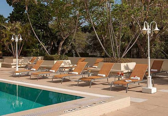 Courtyard Miami Coconut Grove