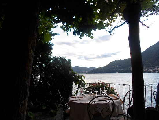 Torno, อิตาลี: Scorcio del lago dalla terrazza