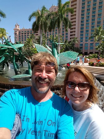 Atlantis, Royal Towers, Autograph Collection: great destination. carnival cruise has taken us here twice. kids love it