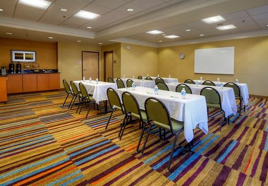 Southaven, MS: Meeting Room – Classroom Setup