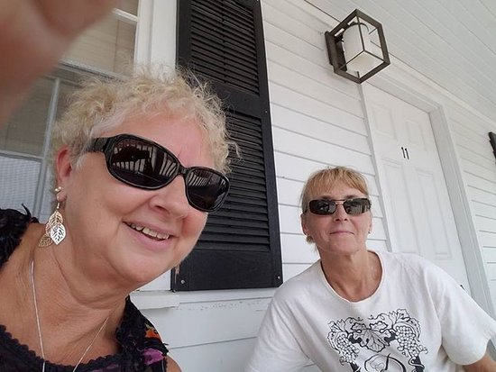 Eagle House Motel: Selfie with friend while sitting in front of room