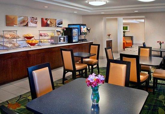Wallingford, CT: Breakfast Room