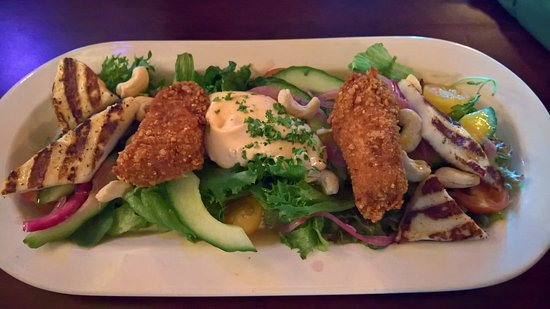 Sandy Kelt: Chicken Halloumi Salad