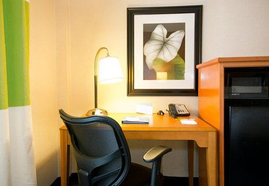 New Stanton, Pensilvanya: Guest Room Work Desk