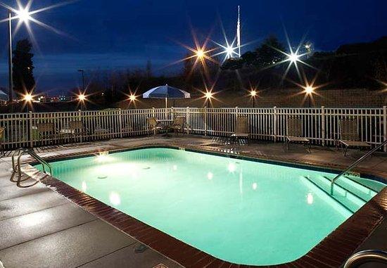 Mooresville, Kuzey Carolina: Outdoor Pool