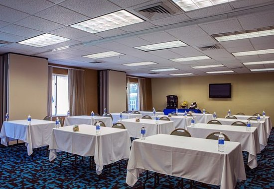 Mooresville, NC: Meeting Room – Classroom Setup