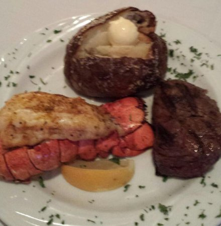 Wisconsin Rapids, WI: Our Steak & Lobster Special!