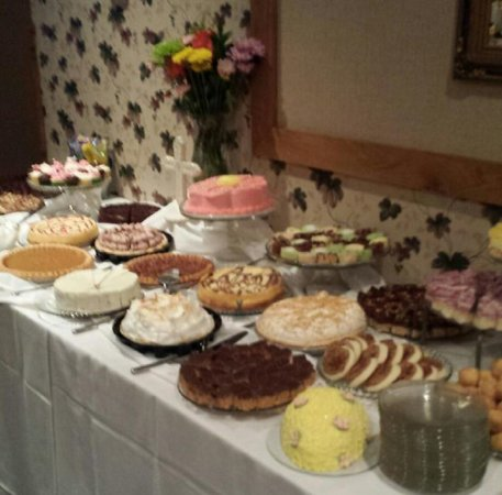 Wisconsin Rapids, WI: Our Sunday Brunch dessert table Serving from 10:00am - 1:00pm!
