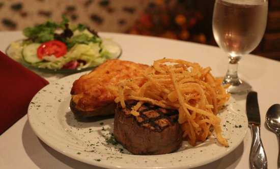 Wisconsin Rapids, WI: The best steaks and seafood in the area!
