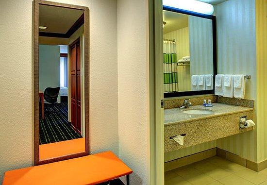 Fletcher, Karolina Północna: Suite Bathroom