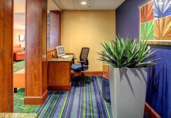 Fletcher, Karolina Północna: Business Center