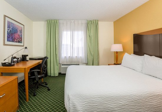 Fairborn, OH: Queen Guest Room