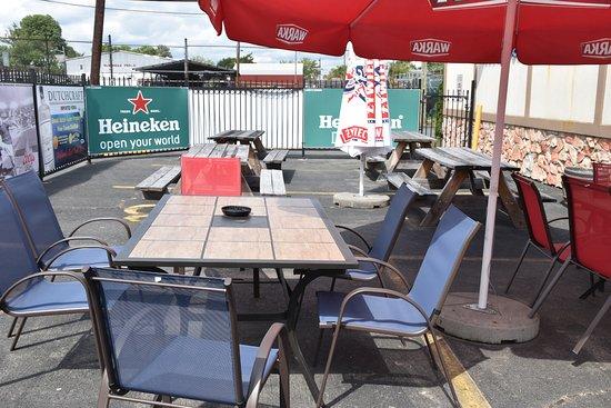 Trenton, NJ: Outdoor Seating