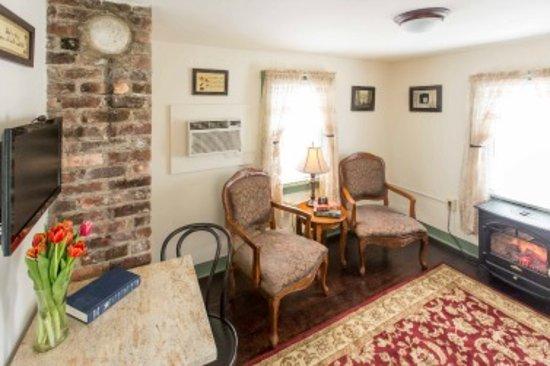 Smithville, NJ: Wolfe Suite 206