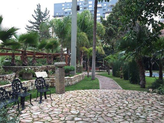 Manquehue Santiago Las Condes: photo1.jpg
