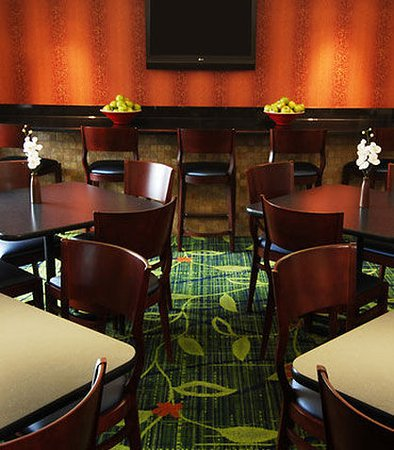 Henrietta, Nova York: Lobby / Breakfast Area