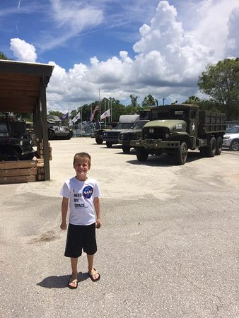 Military Museum of North Florida: Large variety to view!
