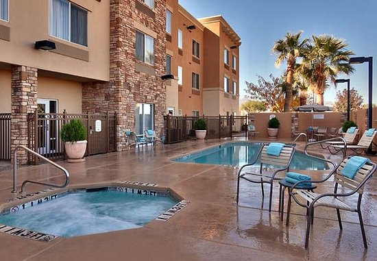 Sierra Vista, AZ: Outdoor Pool