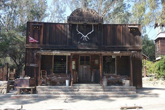Beverly Hills, CA: Restaurang / bar längs Mulholland Drive som var stängd