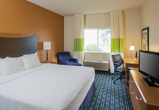 Mankato, MN: King Guest Room