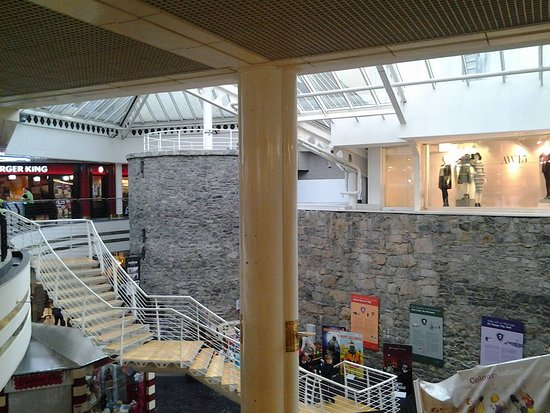 ‪Eyre Square Centre‬