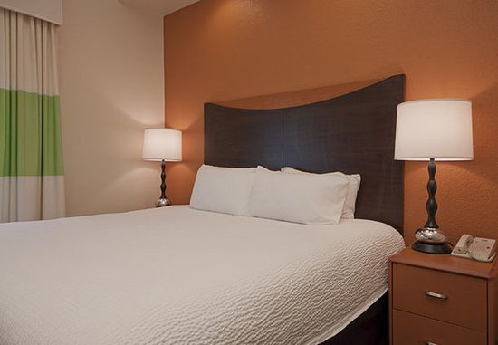 Sulphur, Luizjana: Executive King Suite Sleeping Area