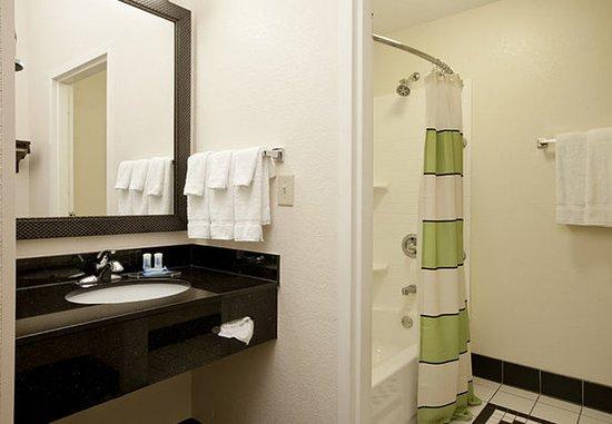 Sulphur, Luizjana: Suite Bathroom