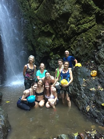 Blue Osa Yoga Retreat and Spa: This was at the bottom of the waterfall... exhilarating!